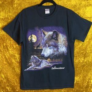 Gildan Yellowstone Full Moon Wolf Graphic 90s szM